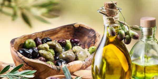 Fernando Miranda examina con el sector del aceite de oliva la evolución del mercado y las medidas de autorregulación