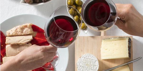 El vino está disfrutando un mini-boom en la era covid-19 en el hogar, pero nos amenazan nubes negras económicas