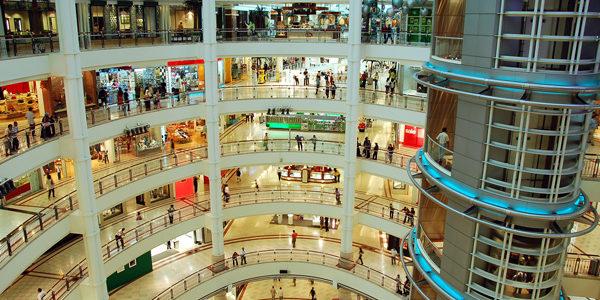 Se mantiene estable la afluencia en centros comerciales hasta septiembre