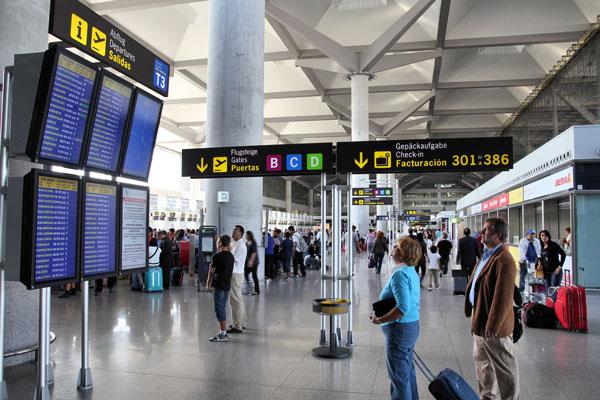 Unas restricciones de viaje más estrictas acentúan los actuales retos del turismo