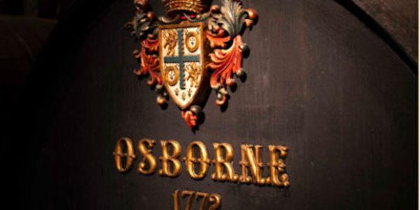 Osborne adquiere la marca de vermut 'Domingo' y la ginebra 'Gold'
