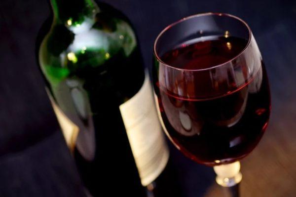 APAG Extremadura Asaja estima una bajada en la producción de uva del 35% en blanca y 45% en tinta en esta campaña respecto a un año normal