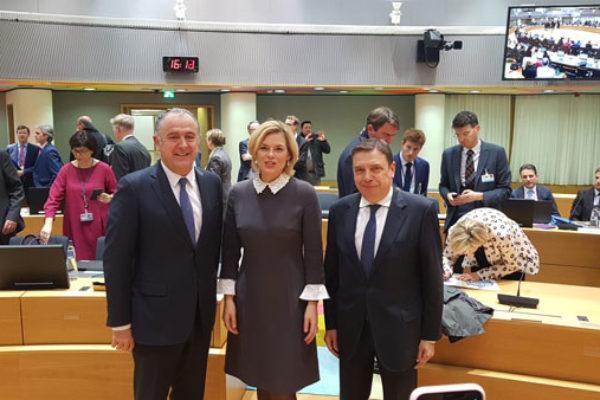 Alemania, España y Francia comparten su ambición para la futura PAC: una Política Agrícola Común más verde y simple, con un presupuesto a la altura de dichos retos