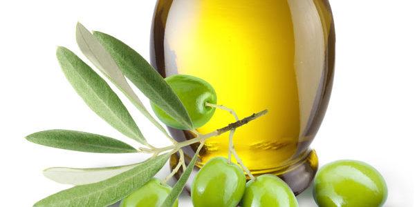 Luis Planas, ha expresado su decepción por el precio de corte establecido por la Comisión para el aceite de oliva