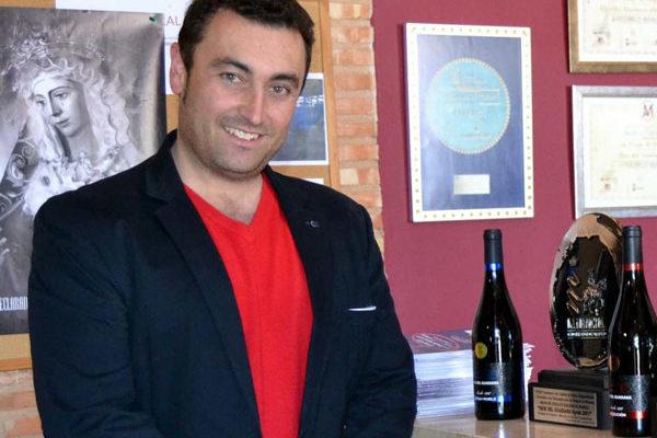 El presidente de la cooperativa El Progreso asegura que se están cerrando compras de vino a precios más altos que el año pasado